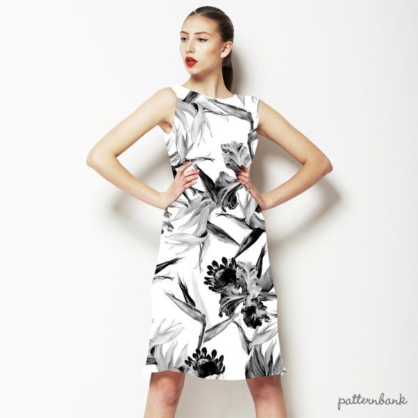 Black and White Tropic Design